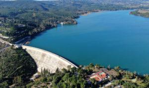 Αιφνιδιαστικά η κυβέρνηση εκχωρεί με ΣΔΙΤ το 80% των αποθεμάτων νερού της χώρας