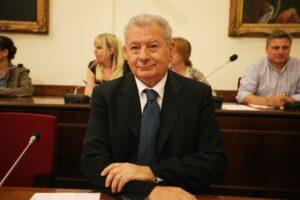 Αγνοείται ο πρώην υπουργός, Σήφης Βαλυράκης, στον Ευβοϊκό κόλπο